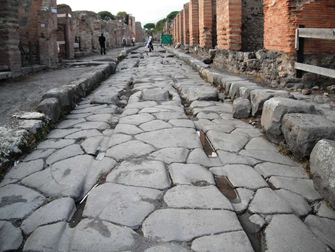 pompeii and herculaneum streetsscapes Pompeii and herculaneum were ordinary cities they were much like many of the  other urban centres found throughout italy and the wider roman empire.