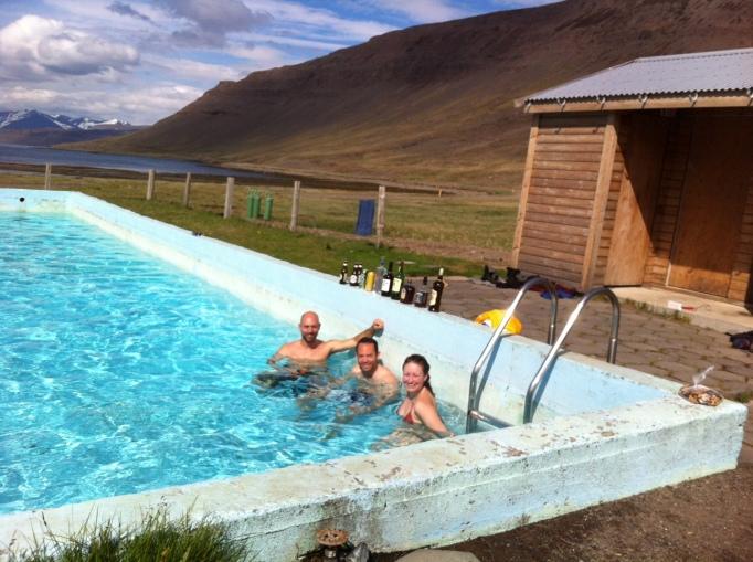 Reykjarfjarðarlaug pool party