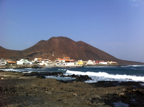 the sleepy, volcanic town of Calhau